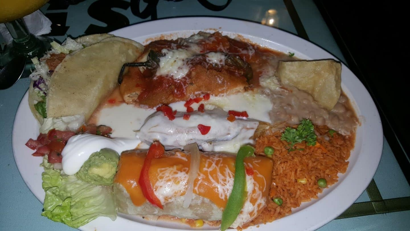 the top 10 best places to eat in puerto vallarta