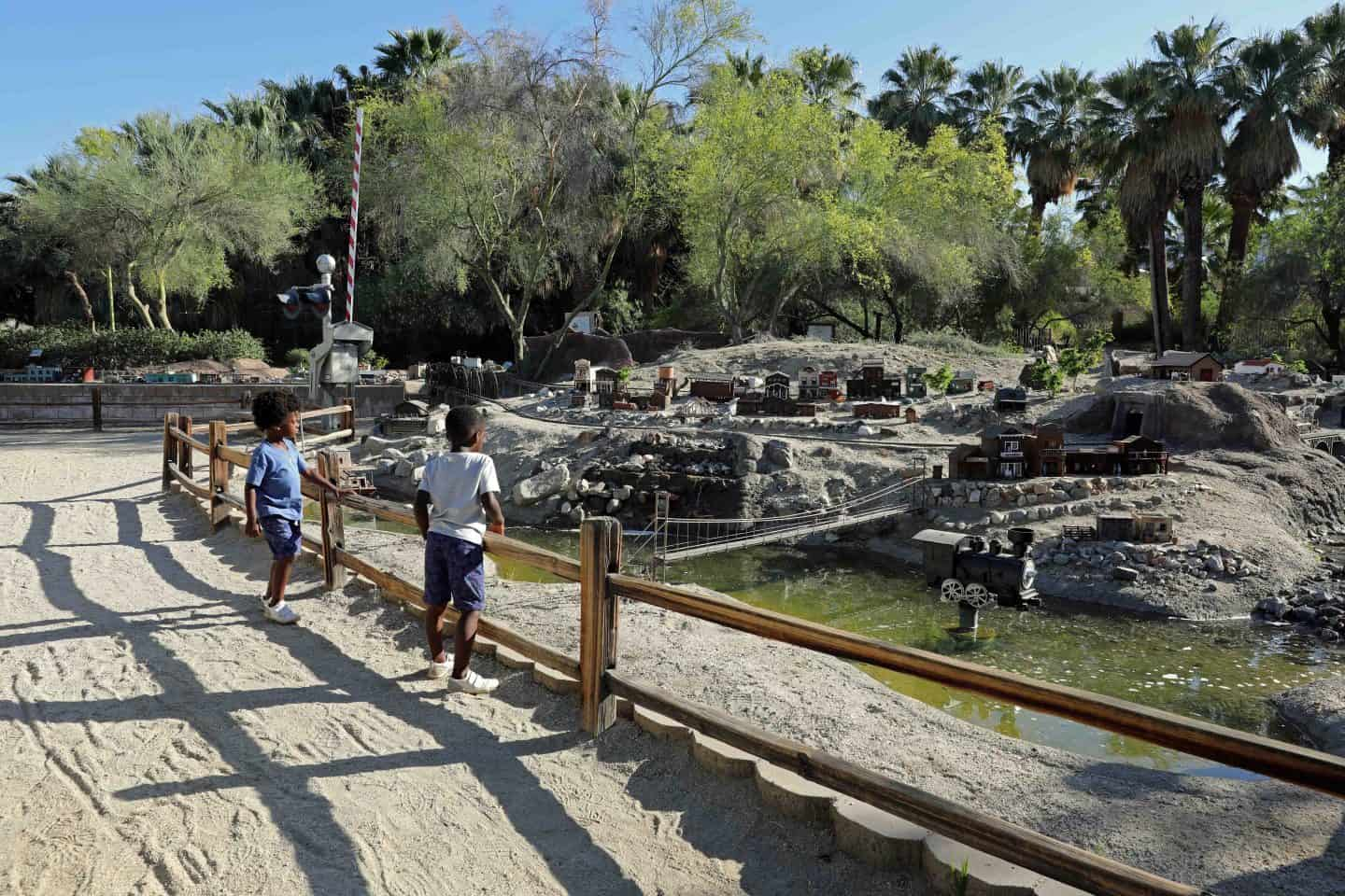 two children looking at the exhibits at the The Living Desert Zoo and Gardens