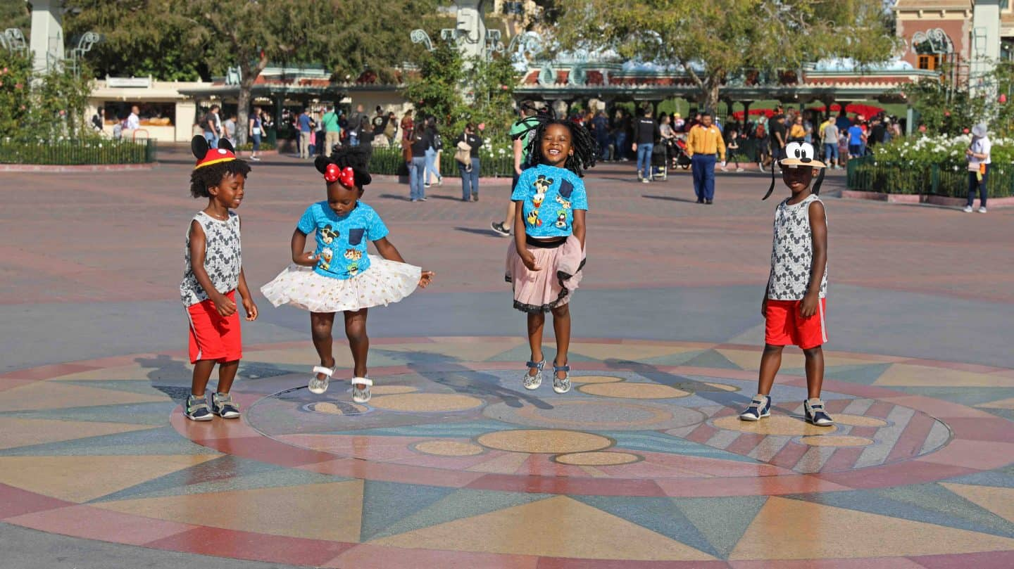 Disneyland Anaheim Guide For Families - Planning Your First Trip