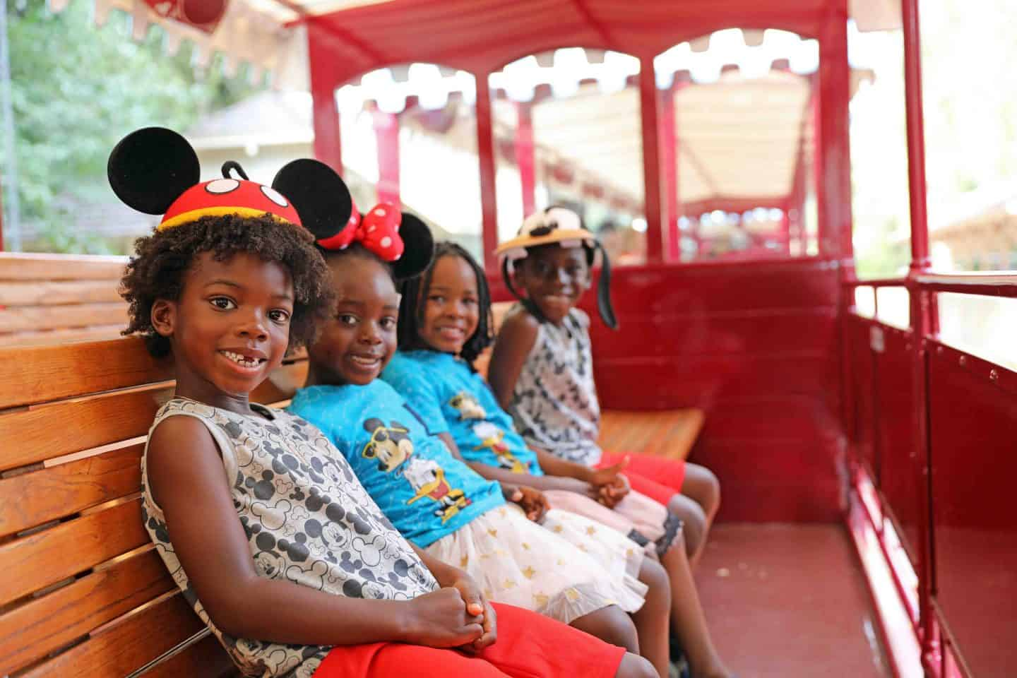 Expert Tips For Experiencing Disneyland California With Kids and Disney California Adventure 5