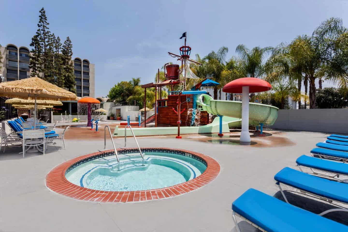 Howard Johnson Hotel and Water Playground