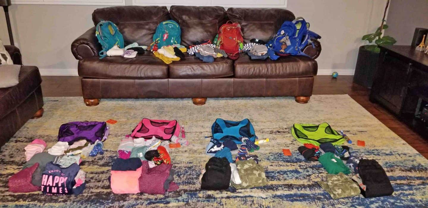how to use packing cubes when packing for a trip