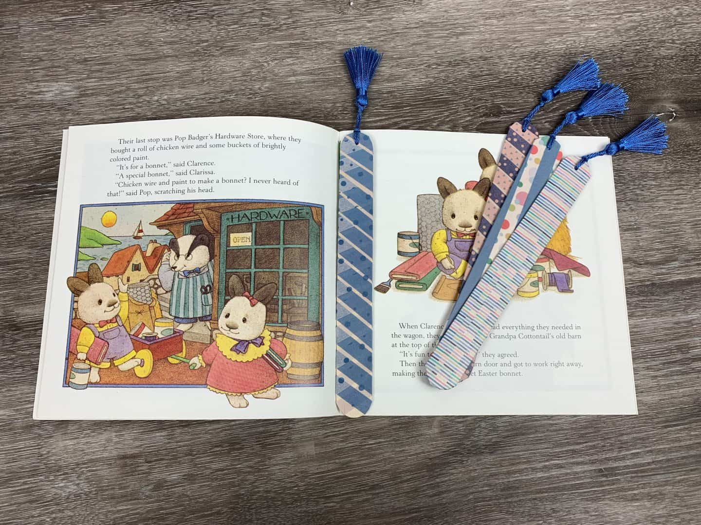 How To Make A DIY Bookmark With Kids